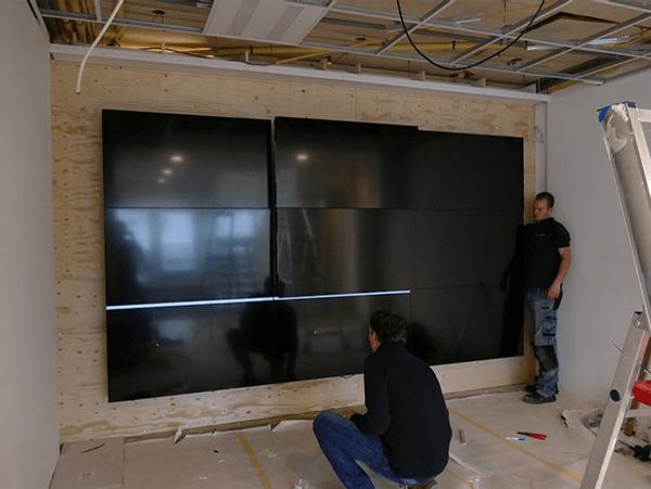 TSS Evado Dentalair videowall montage- installatie